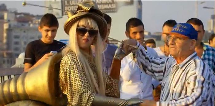 Lady Gaga İstanbul sokaklarını uçurdu