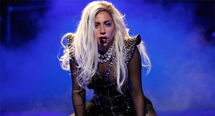 Lady Gaga'yı sosyal medyada yerden yere vurdular