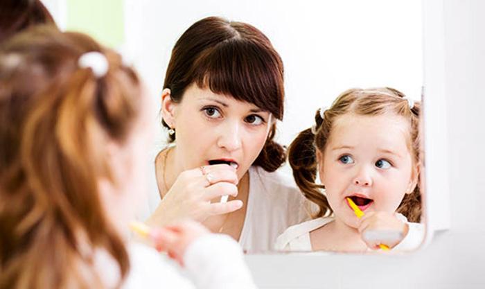 Çocuklar dişlerini günde kaç kez fırçalamalı?