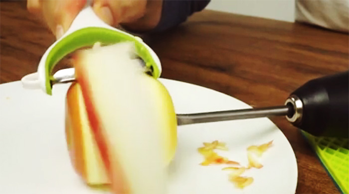 Elma soymak hiç bu kadar kolay olmamıştı