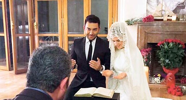 Wilma Elles imam nikahıyla evlendi