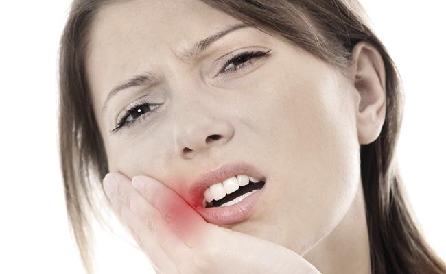 Diş apsesinde 2 önemli uyarı!