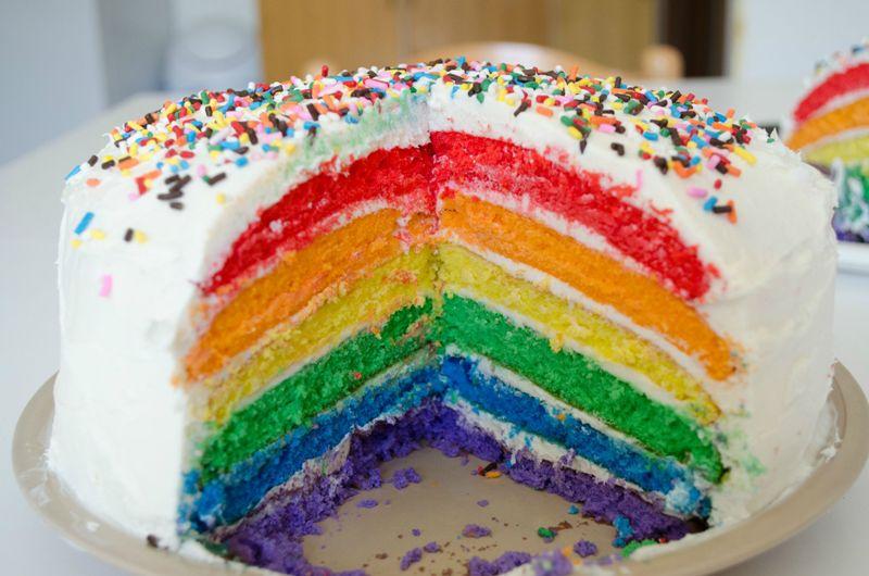 Gökkuşağı pastası keşfi zamanı