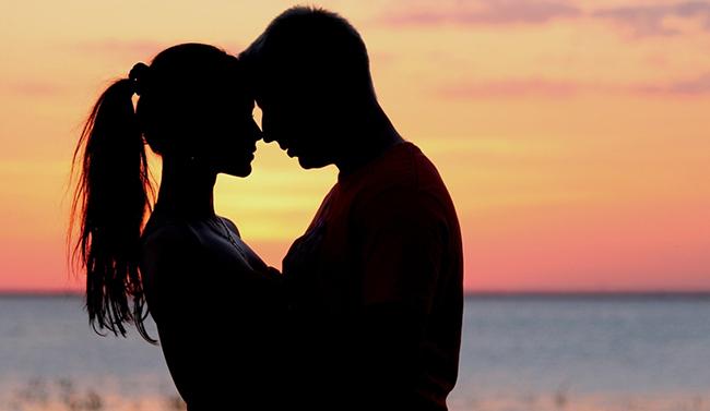 Evli kadınlar kızlık zarını bakın neden diktiriyor