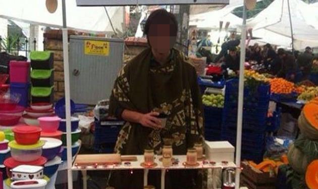 Ünlü oyuncu pazarda reçel satıyor