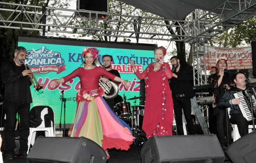 Tarihi-Kanlica-Yogurdu-festivalle-tatlandi-4